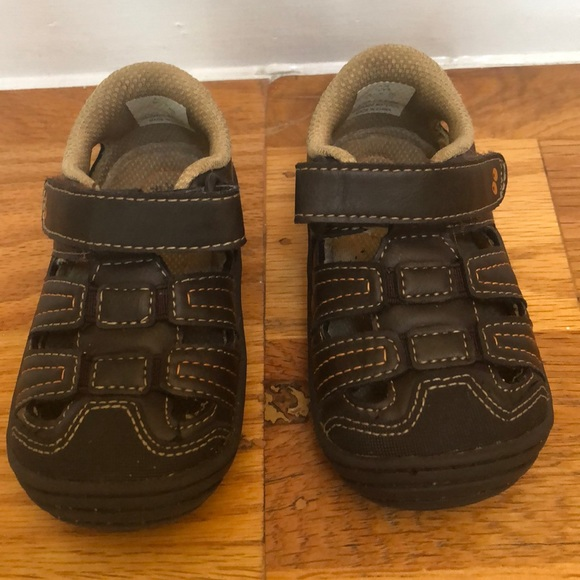 Stride Rite Other - Surprize by StrideRite Ace walking sandals